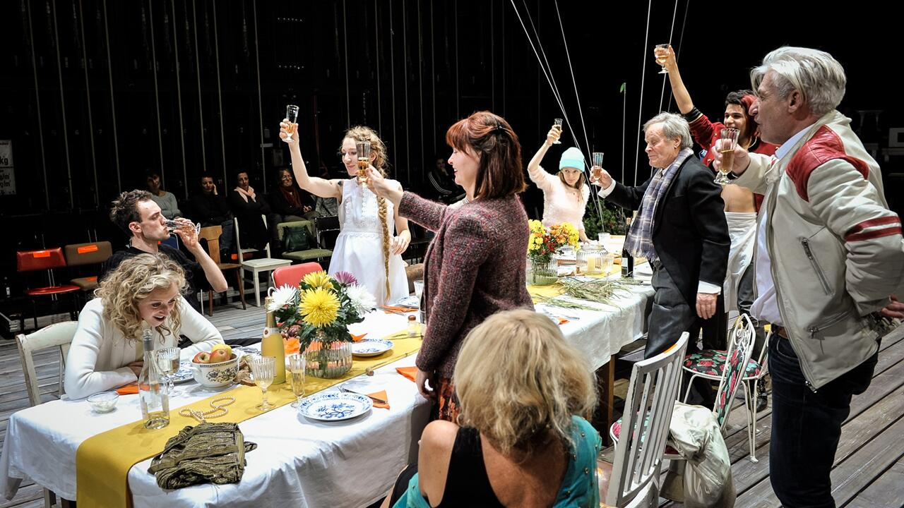 Deutsches Theater, Ihre Version des Spiels, Bildnummer: S3165, Foto: Arno Declair